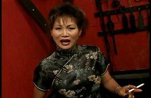 Երիտասարդ աղջիկը բռնվել է նոութբուքի առջեւ (ֆիլմի թաքնված նոութբուքի տեսախցիկ) անվճար պոռնո աստղ