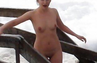 կինը նստում է վերեւում մի ամառային պոռնո կնոջ fucking օտար