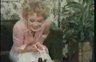 Կինը ոտքերը կարճ, ֆանտազիա պոռնո լայն մանկապարտեզում ցույց է տվել անձը մկրատով հարձակվել է աշակերտի մարմինը